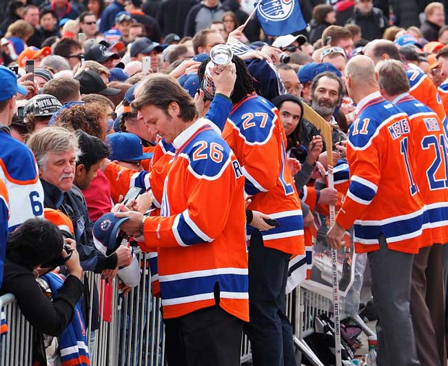Edmonton is home of several professional sports teams, like the Edmonton Oilers.